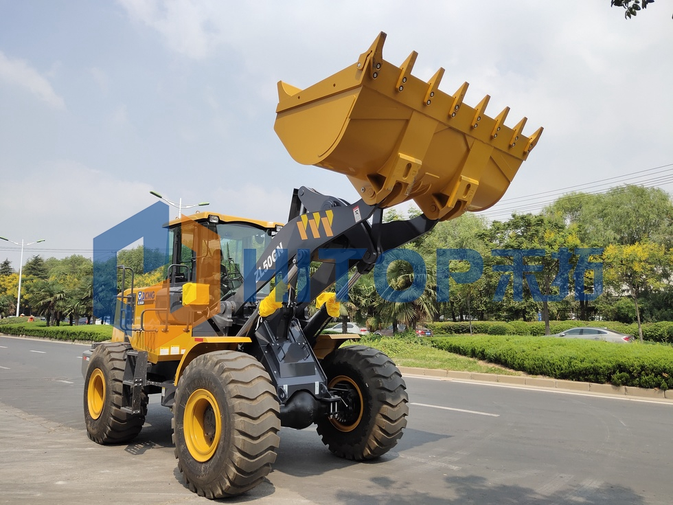 One unit XCMG 5 tons wheel loader ZL50GN exported to Peru