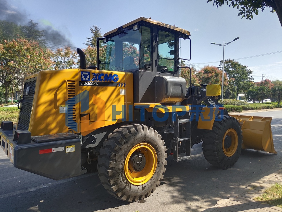One unit XCMG wheel loader LW300KN exported to Indonesia