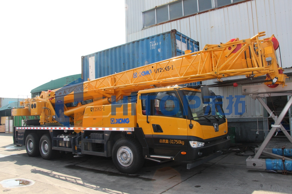 One unit XCMG 25 tons truck crane QY25K5-I export to Georgia